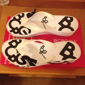 BCBG flip flops size 9
